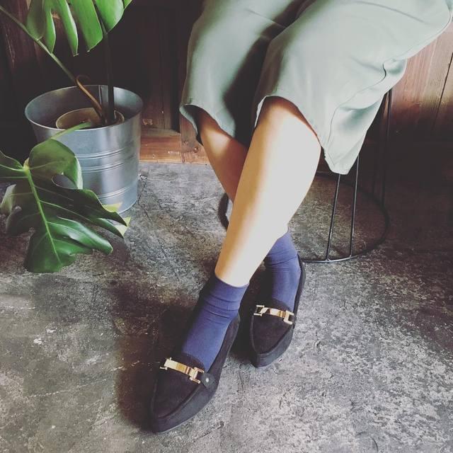 トレンドの秋靴!クールなコーディネートにハマるローファーアイテム