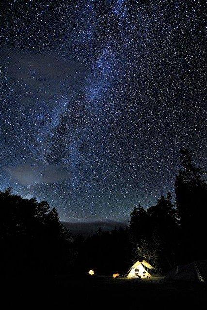 究極の贅沢!お風呂に入りながら星空が見える絶景の露天風呂