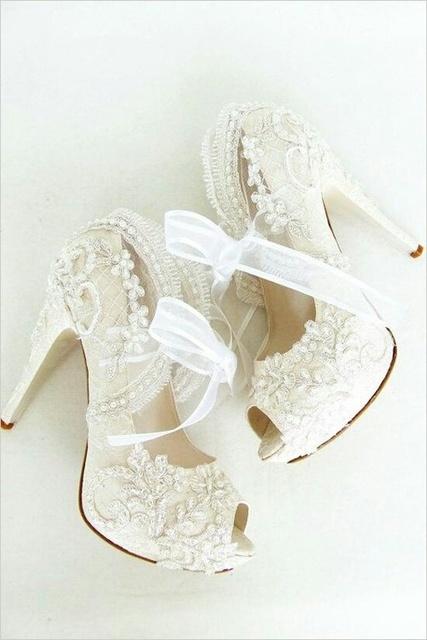 【保存版】ドレスのような指先☆純白フレンチでブライダルネイル