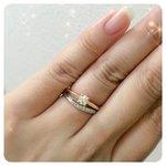 指輪を重ね付けして、手元のオシャレを格上げするコツ
