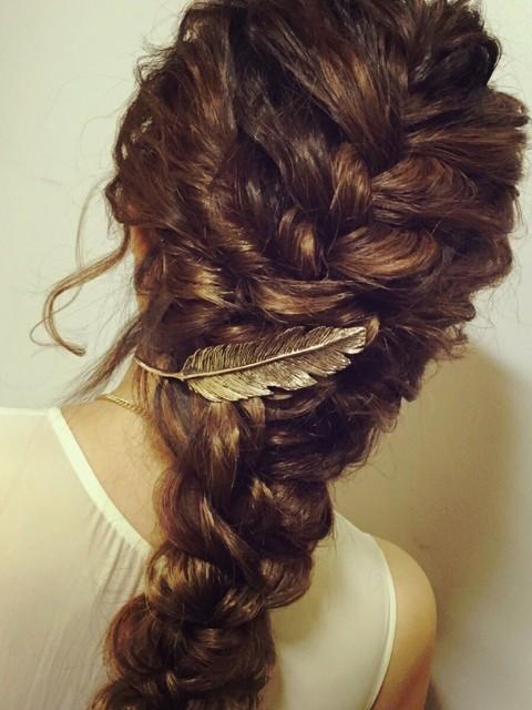 かんざしとは異なる新たなヘアアクセは刺し方も簡単で時短おしゃれ