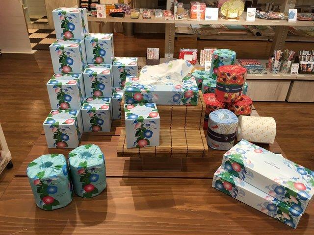 鈴木松風堂の可愛すぎるファッション雑貨や和小物を入手する