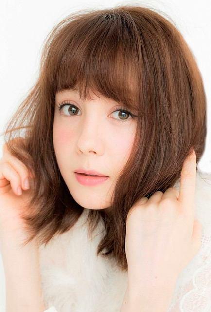 美チーク&夢フレンチ♡トリンドル玲奈ちゃんネイルから目が離せない!