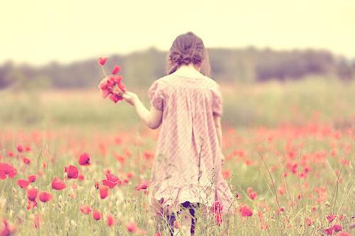 秋もフットネイルは気を抜かないっ!「花モチーフ」がかわいいデザイン集