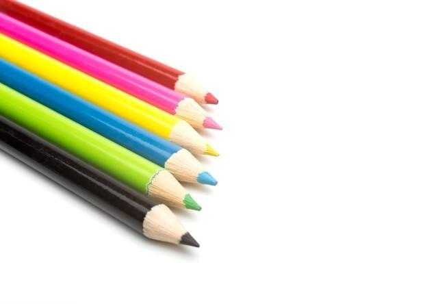 ほんわか可愛い♡色鉛筆ネイルアートのやり方について知りたい!