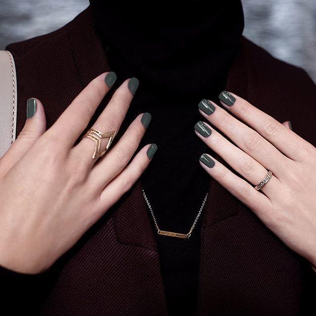 マットネイルで魅せるクールな指先♡この秋はハンサム女子にチェンジ