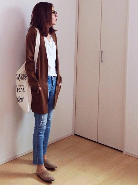 流行りの秋コーデにトートバッグをプラス。ゆるくオシャレが可愛い!