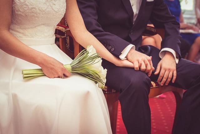 幸せ花嫁のおまじない♪ウェディングネイルでサムシングブルーを取り入れよう