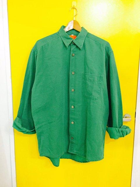 爽やかに決まるグリーンシャツの上手な着こなし方とは!