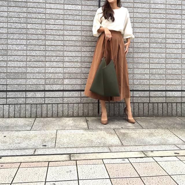 秋におすすめのテラコッタを取り入れたファッション!