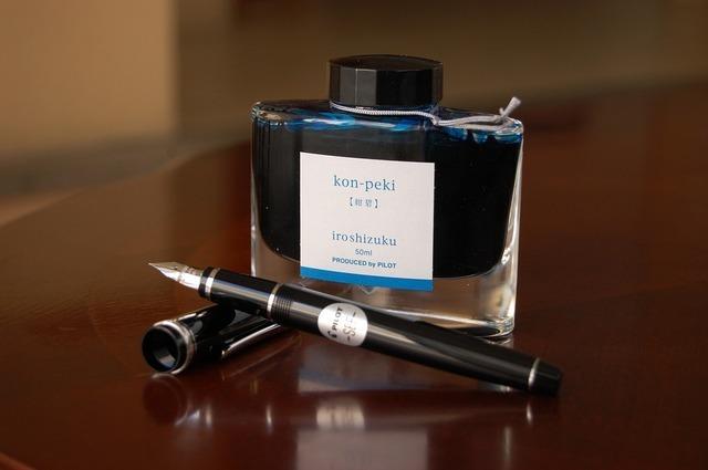 いまどきのネイルアートはペンで書く?アートペンってなに?
