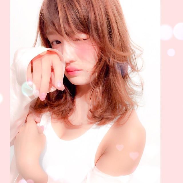 ピンク×ベージュの色っぽ指先・・♡ 不意な「エロさ」を狙う大人ネイル。