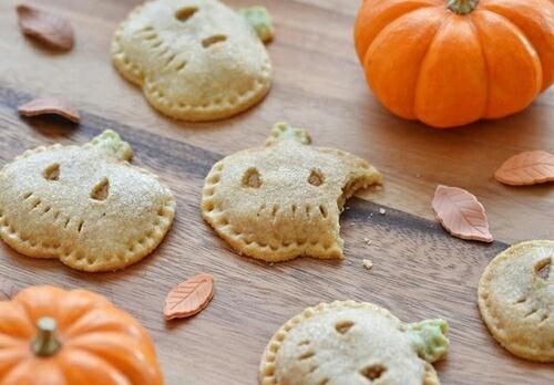 指先もハロウィンカラーに♡この秋は「オレンジネイル」でおしゃれにスパイスを