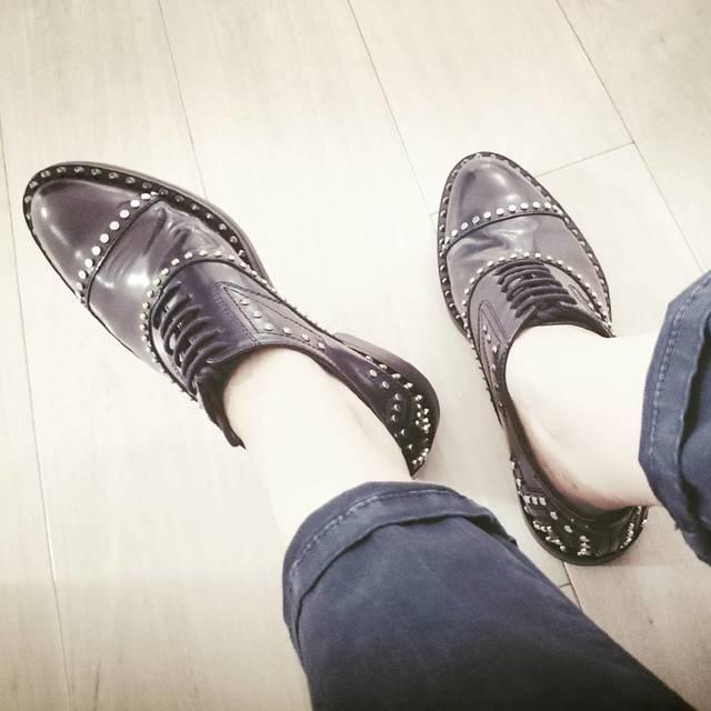 アクセントに最適☆「マニッシュ靴」はかわいく履きこなそう