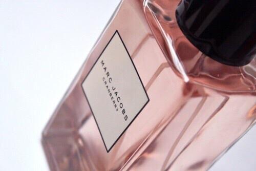 香水を手作りしましょう!自分らしい香りをみつけよう