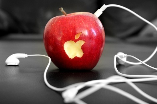りんごネイル♡実はセルフで簡単にできる?おすすめアート大特集