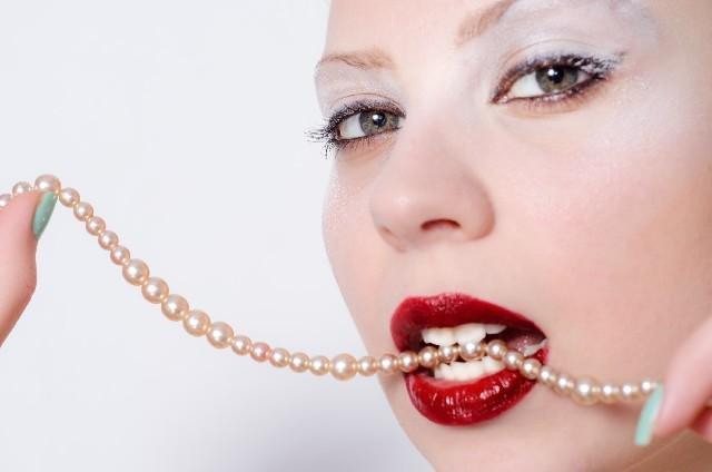 赤ネイル | 大人っぽく目立つ。魅力&アートのポイント