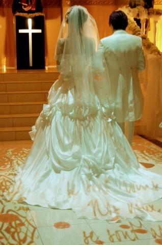 スカルプチュア | 結婚式に楽しみたい!特別な日は、華やかなロングネイルで。