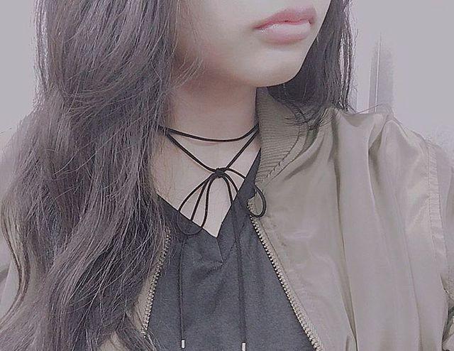 首元スッキリの胸キュンコーデ♡リボンチョーカーでオンナ度をUP☆