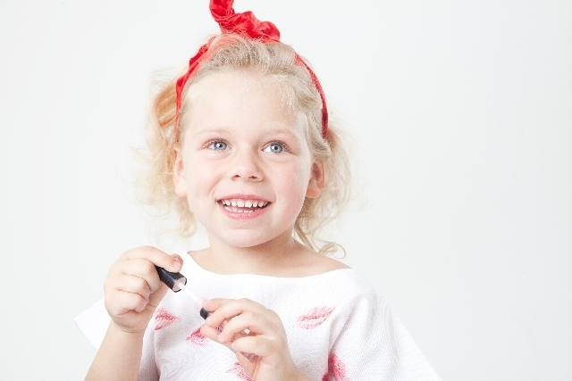 キッズネイル | もし子供にネイルをしてあげる際の注意点