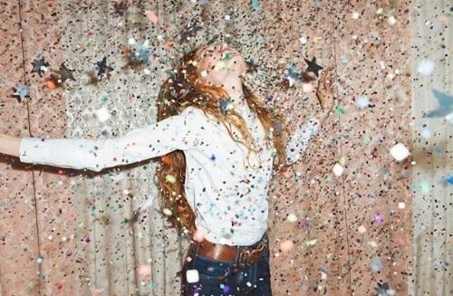 パーティーネイル | 華やかな夜を彩るデザイン画像集