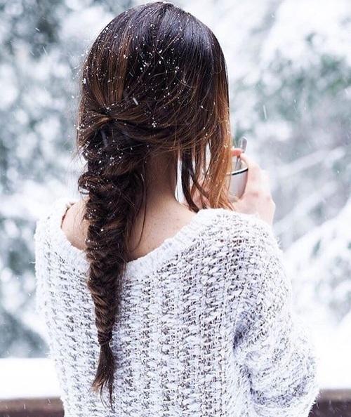 スノーネイルで冬は指先にも雪化粧♪トレンドデザイン画像集