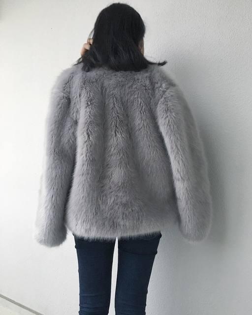 ファーコートをカジュアルに着こなすために真似したいおすすめコーデ7選!