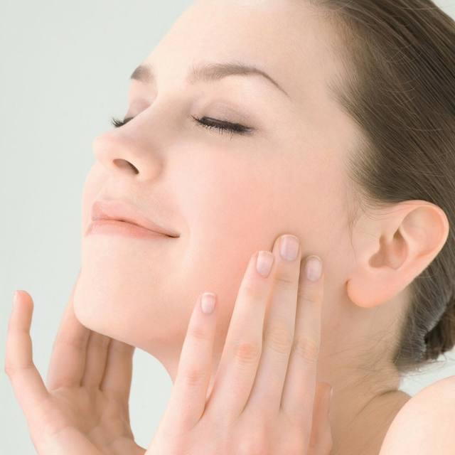 肌トラブルのもとにもなる毛穴の汚れにはマッサージが効果的!