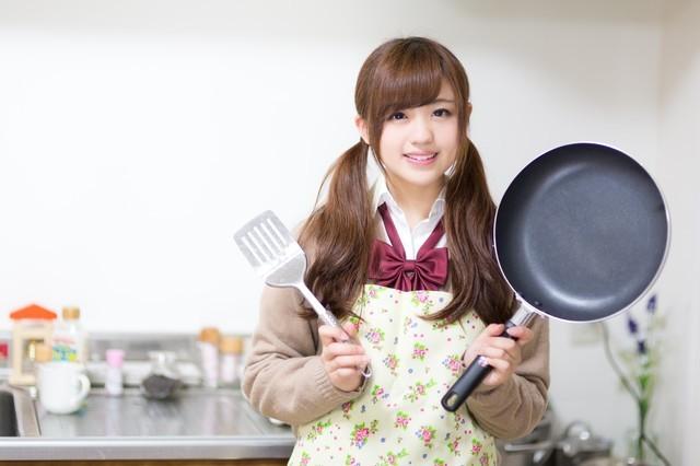 ネイルアートに使えるキッチン用品たち(ようじ、スポンジ、ラップ)