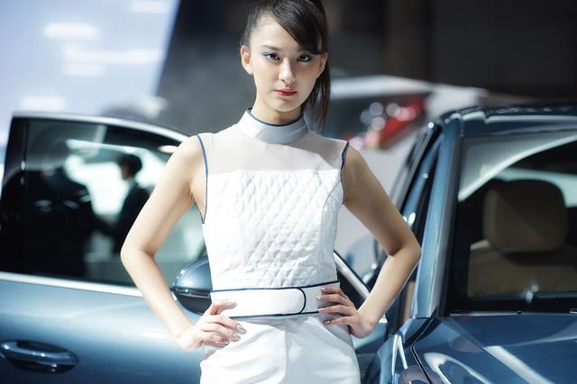 『東京モーターショー2017』で一際注目を浴びていたコンセプトカーと美人コンパニオンを紹介!