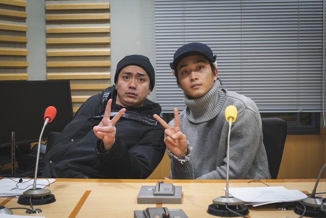 青柳翔と佐藤寛太が「色の組み合わせで心理テスト」や、全員アンケート「桃太郎の配役」について答える