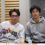 秋山真太郎と八木将康が、舞台「勇者のために鐘は鳴る」の感想を語る