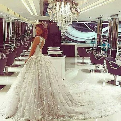 #Wedding #love #White #dress #beautifull #women #hair #girl  by ÇrÅzY   We Heart It (1247)