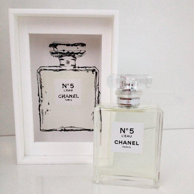 """Origines Parfums on Twitter: """"La Team @Origines a découvert le Nouveau N°5 L'Eau de #CHANEL !#parfum #newchanel5 https://t.co/n0yPLhdsj8"""" (1281)"""