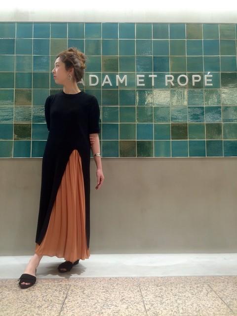 SAKI(ADAM ET ROPE' 天王寺MIO)|Adam et Rope'のスカートを使ったコーディネート - WEAR (13308)