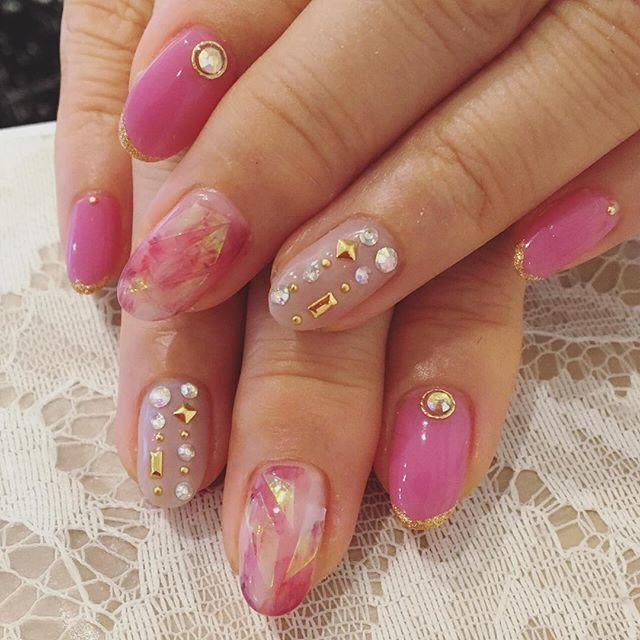 ピンク+ベージュネイル