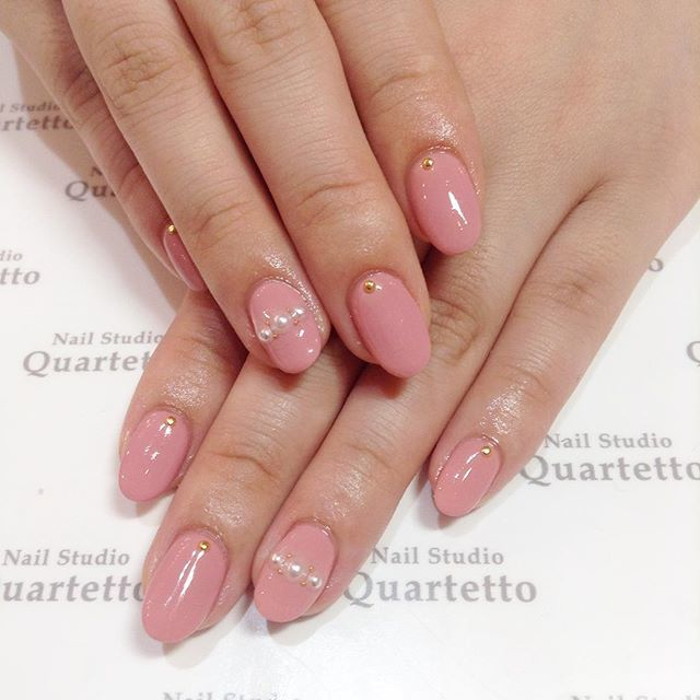 女性らしい特有のカラー「ピンク」