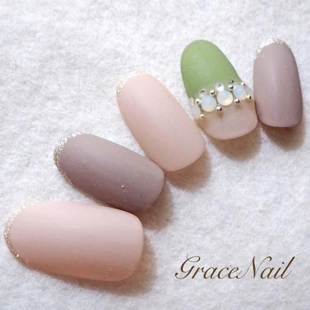 マットベージュ / GraceNail (GraceNail) のネイル - ネイルクルー (477851)
