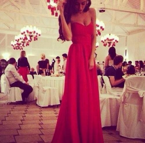 Red dress, beautiful,  girl, fashion, cute, by Jannett Horan | We Heart It (483972)