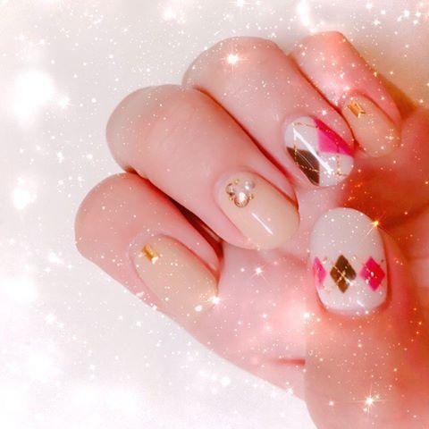 ピンク+ベージュカラーでふんわり可愛さを。