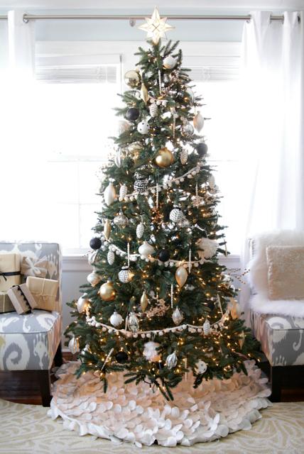 Black and White Christmas Tree- Decor Fix (516939)