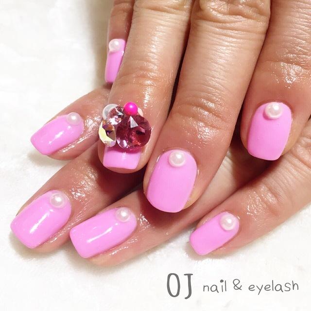 ⑭バービーちゃんみたいな可愛いピンクネイル♪