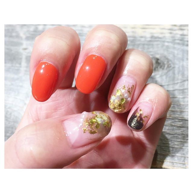 オレンジカラーネイル×ゴールドラメ