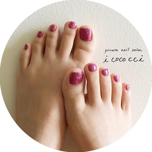ラメ1色のピンクカラーネイル!