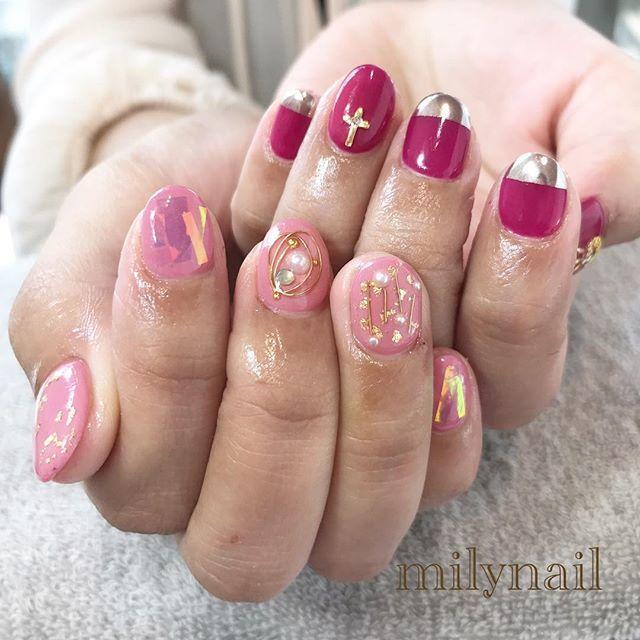 ピンク+濃いピンクちぐはぐネイル